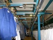 Convoyeur aérien de stockage et tri vêtements - Cadence de tri varie de 1000 à 2500 vêtements