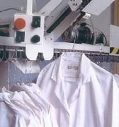 Convoyeur blanchisserie à commande électrique manuelle - Boitier de recherche automatique - Formes : U ou L - Sur mesure