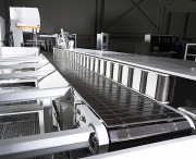 Convoyeur de tri à tablier - Différentes longueurs disponibles au mètre, 6 000 mm maximum