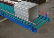 Convoyeur gravitaire à rouleaux - Rouleaux PVC ou acier - Piétement réglable +/- 100 mm