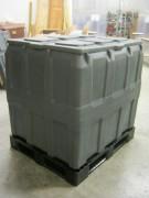 Cuve rotomoulée avec couvercle - Dimensions (L x l x h) : 1000 x 1200 x 1200 mm