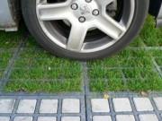 Dalle de parcs à voitures engazonnée - Charges supérieures à 100 tonnes au m²