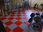 Dalle sol sportif en PVC - 10 couleurs disponibles