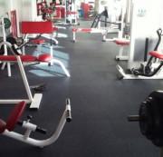 Dalles Caoutchouc 6 mm pour salles de gym - Conditionnement : A la dalle ou au rouleau - Épaisseur et dureté : 6 mm Shore A
