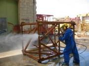 Décapage/dérouillage avec le système hydro-sablage