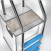 Échelle de bord de piscine - Type privé ou olympique - En acier inoxydable
