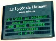 Ecran d'affichage lumineux d'informations - Sur fond vert