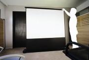 Écran de projection sur roulettes - Dimensions (H x L) : de 120 x 160 cm à 150 x 200 cm