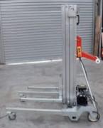 Elevateur de charges à treuil manuel - Capacité de charge en (Kg) : de 150kg à 350kg