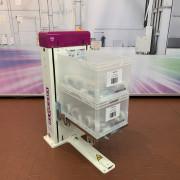 Élévateur descendeur de bacs avec chaîne centrale - Montée ou de descente verticale
