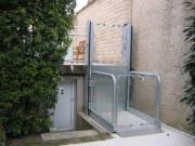 Elevateur handicape électrique à vis - Entrainement Electrique à vis   -  Capacité 300 kg