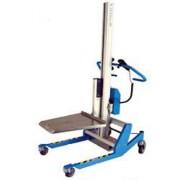 Elévateur manuel professionnel - Capacité à 30 cm du mât : de 140 à 200 Kg