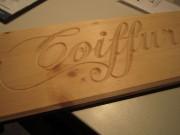 Enseigne bois sculpté - Épicéa - red cedar ou douglass - en panneaux - lettres ou portiques