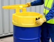 Entonnoir avec couvercle en polyéthylène - Adapté aux fûts de 220 litres - Diamètre : 620 mm