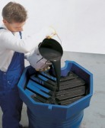 Entonnoir pour fût en polyéthylène - En polyéthylène ou en acier