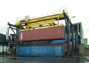 Portique à conteneurs - Épandeur portique à conteneurs