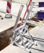 Escabeau d'accès fond de fouille - Charge  : 1 personne (150 kg) - Hauteur d'accès : de 600 à 1500 mm