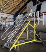 Escabeau d'escale tractable - En aluminium extrudé - De 4 à 18 marches