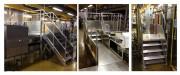 Escalier à palier double accès pour passage de convoyeur - Structure en profils d'aluminium - Le tout vissé au sol