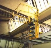 Escalier articulé pour accès sur citerne - Supporte une charge de 350 kg/m²