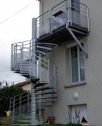 Escalier colimaçon métal - Diamètre : de 1200 à 3750 mm