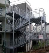 Escalier cube de secours extérieur - Monobloc : un cube par étage