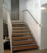 Escalier droit à marches en bois - Marches en bois exotique vitrifié 3 couches