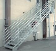 Escalier droit acier - À géométrie variables