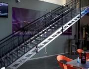 Escalier métallique intérieur - Marches en tôle : gros picots ou petits picots