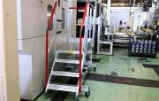 Escalier mobile pour accès maintenance - Structure en profils aluminium brut extrudé -  Hauteur à desservir : 900 mm