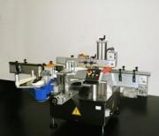 Etiqueteuse impression et pose automatique - Vitesse de production : max 7200 - 9.000 pièces/heure