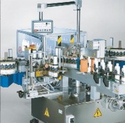 Étiqueteuse manuelle recto verso - Vitesse de production : 12.000 pièces par heure
