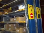 Etiqueteuse organisation d'entrepôt - Avec étiquetage, pancartes, marquage au sol