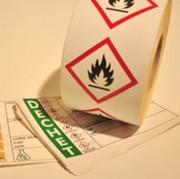 Etiquettes pour industries chimiques - Résistance aux produits chimiques et au stockage extérieur longue durée