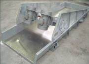 Extracteur transporteur en auge vibrant - En acier inoxydable ou acier peint