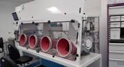 Fabrication de pièces plastique d'industrie chimique - Boite à gants, hotte, boite à azote, bac sur mesure