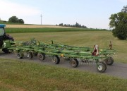 Faneuse de manutention agricole occasion - Matériel agricole pour traitement de récolte fourrage