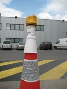 Feu de chantier à énergie solaire - Coloris Orange - LEDs : Rouge