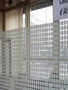 Film décoratif élégant pour vitre - Motif blanc Carrés 2 cm