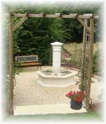 Fontaine de village - Diamètre du bassin : 1.58 m