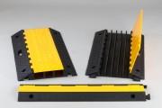 Gaine protège câble avec couvercle - Matière : Caoutchouc - 2, 3 ou 5 canaux - Longueur : 980 ou 900 mm