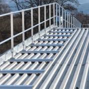 Garde-corps pour bac acier - En aluminium - Conforme à : NF E 85- 015 et NF EN ISO 14122-3