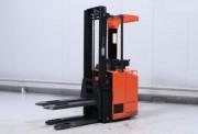 Gerbeur élcetrique occasion à portée debout - Capacité de charge 1600 kg