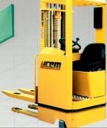 Gerbeur électronique a conducteur debout 1600 kg - Série GTE