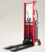 Gerbeur semi-électrique à translation manuelle - Capacité de charge (kg) : De 400 kg à 1500 kg