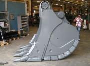 Godet carrière en acier Hardox pour pelle 70 tonnes - Godets travaux publics à lames semi-delta et delta
