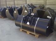 Godet de curage fixe pour pelles 16 à 19 tonnes - Godets fixes en profil à fond rond ou fond plat