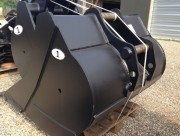 Godet rétro à axe encastré pour pelle chantier 24 à 26 tonnes - Axe balancier incrusté dans la poutre du godet