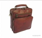 Grande sacoche en cuir de vachette - Dimension (H x l)  : 26 x 24 cm - 2 grandes poches et 4 compartiments