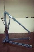 Grue d'atelier spéciale - Portée : 500 kg à 1 m - 200 kg à 1.80 m - Châssis : V ou H